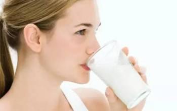 养羊啦女士羊奶粉对人体有什么好处?