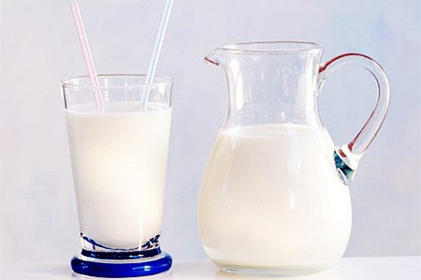 羊奶粉好还是牛奶粉好?